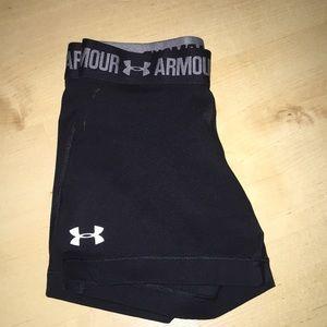 black under armor athletic shorts!